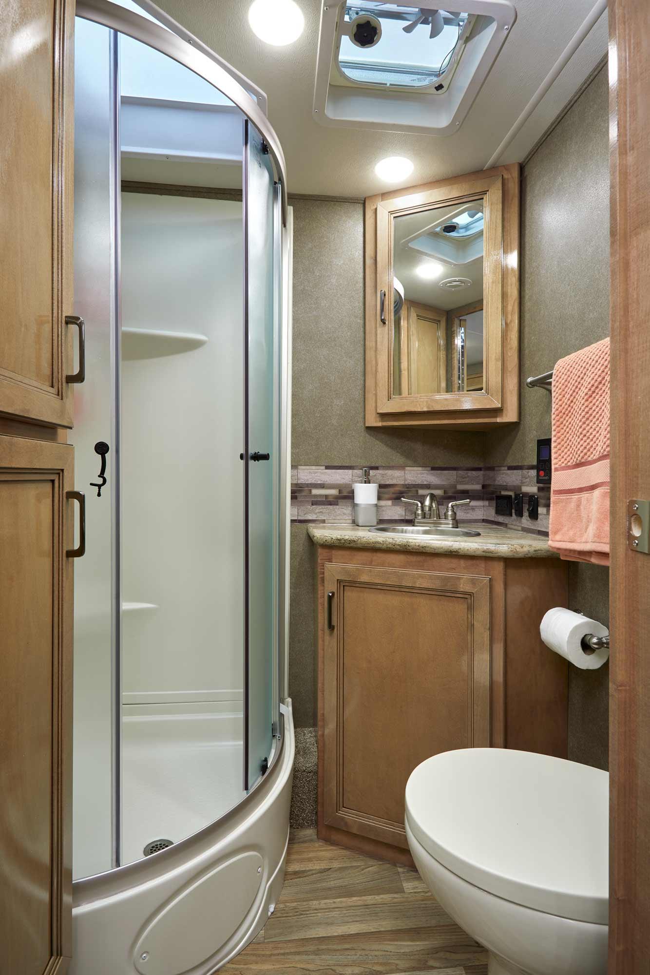 Quantum Class C Motorhomes Thor Motor Coach Axis F350 Fuse Box Diagram 2019 Ws31 Cloud Nine Prestige Maple Bathroom