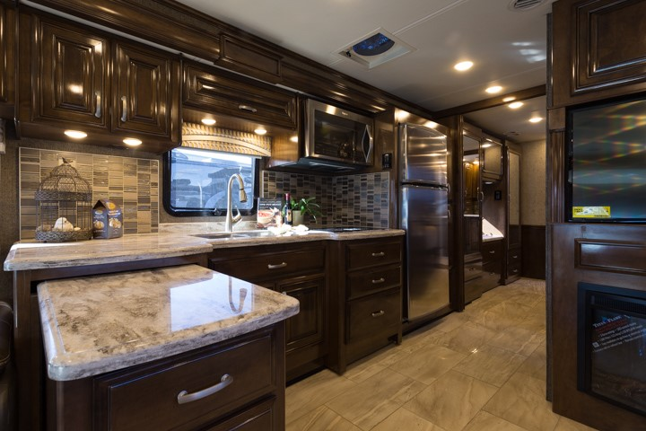2017 challenger 37yt made to fit any rv lifestyle thor motor coach rh thormotorcoach com