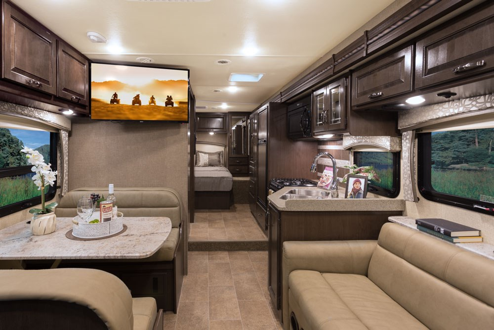 Thor motor coach introduces new chateau 31y class c motorhome for Motor coaches with 2 bedrooms