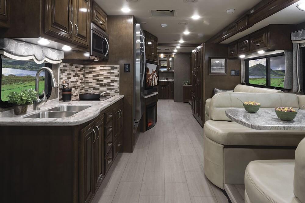 challenger class a motorhomes thor motor coach. Black Bedroom Furniture Sets. Home Design Ideas